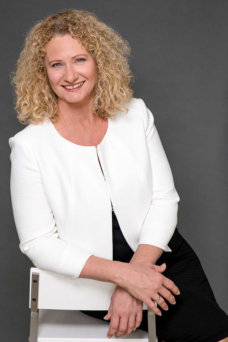 Suellen Greaves - Corporate image makeover_After3